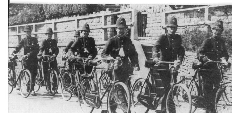 Officers with bicycles -note the oil lamps. (Gloucestershire Police Archives URN 1570)