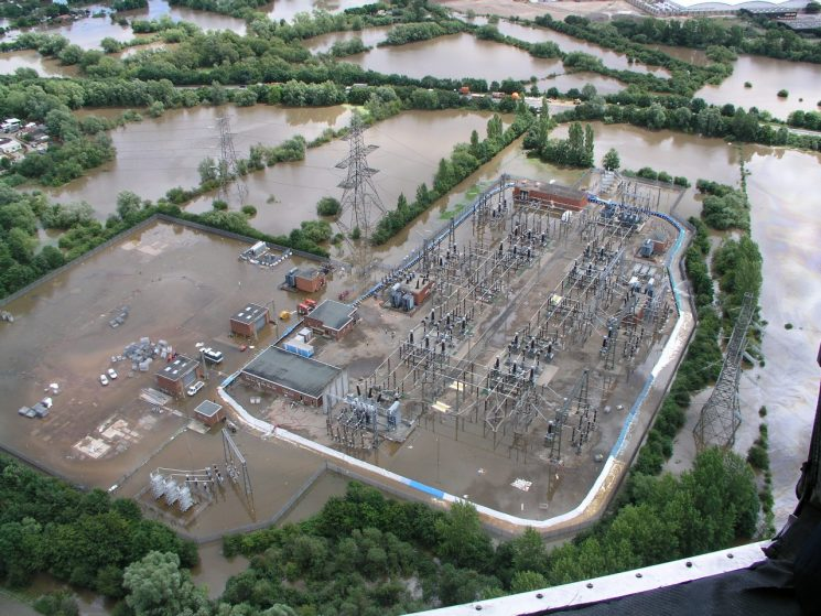 Walham power station during the 2007 floods (Gloucestershire Police Archives URN 2497)