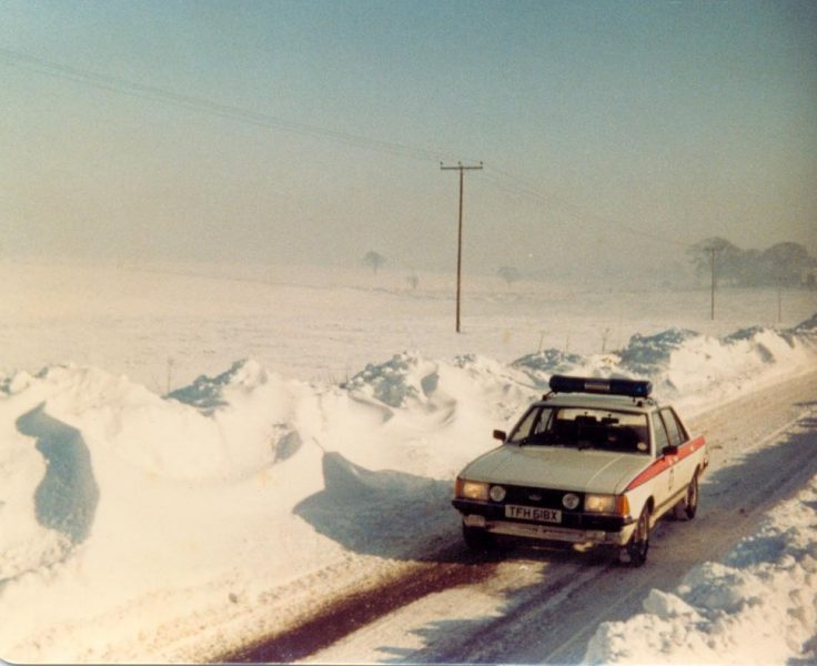 Ford Granada in the snow. (Gloucestershire Police Archives URN 1296)