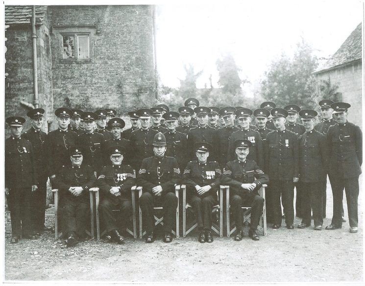 War-time Special Constabulary contingent thought to be at Bourton on the Water. (Gloucestershire Police Archives URN 1692)