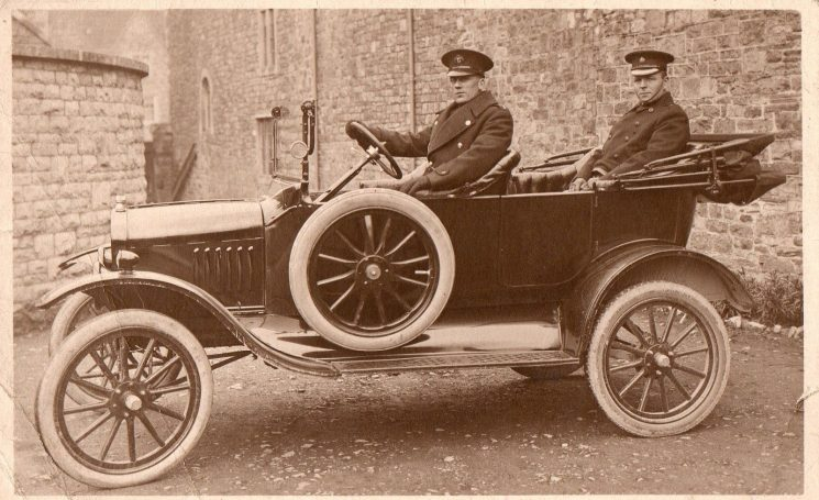 Superintendent Joseph W.P. Goulder with police driver 1931. He joined Gloucestershire Constabulary in 1898 serving in  Cheltenham. His warrant number 3534 and collar number 322.  Between 1898-1901  he served in Cheltenham as a Police Constable,1906 in Staple Hill as a Sergeant,1921-28 Chipping Sodbury as a Superintendent, 1925-27 in Stroud as a Superintendent,1931 in Cheltenham as a Superintendent,1935 in Cheltenham as Chief Superintendent. 1935-45 Deputy Chief Constable in Cheltenham,1944 awarded Kings Police Medal. Retired.1945, died December 28th 1951 . (Gloucestershire Police Archives URN 1863-5)