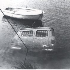 Recovery of submerged van from Brick & Pipe Co. Quarry, Warmley in 1971. (Gloucestershire Police Archives URN 241)