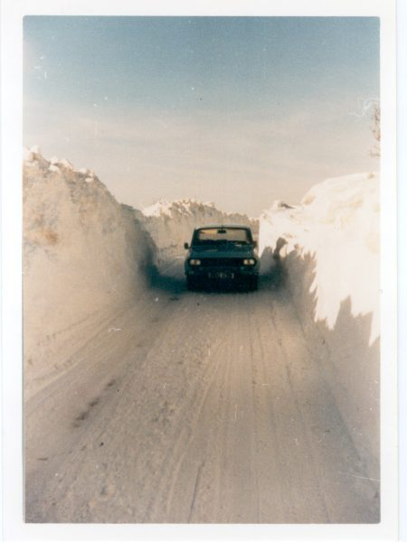 Inspector Jim Taylor's car in snowdrift at top of Stanway Hill 1983. (Gloucestershire Police Archives URN 565)