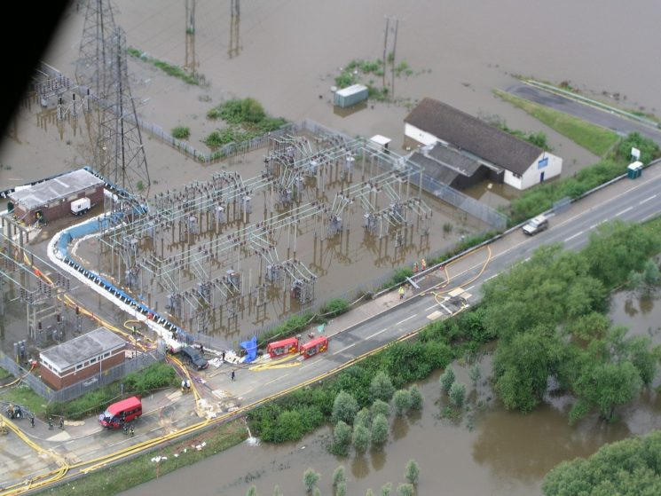 Castlemeads power station during floods 2007. (Gloucestershire Police Archives URN 2496)
