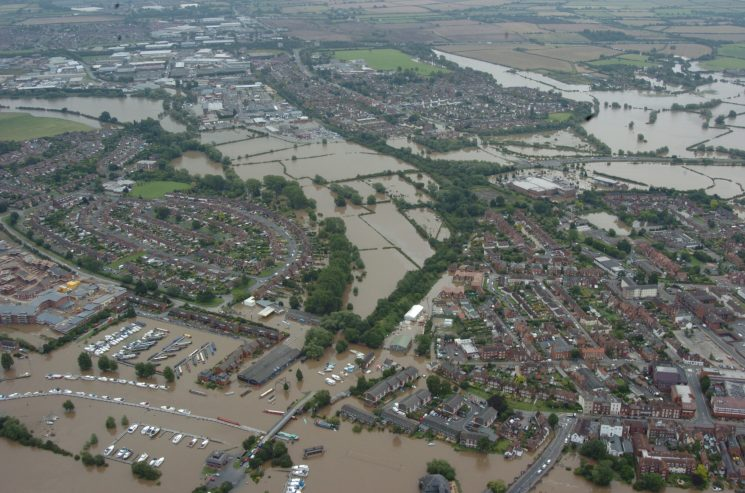 Flooding 2007. (Gloucestershire Police Archives URN 2493)