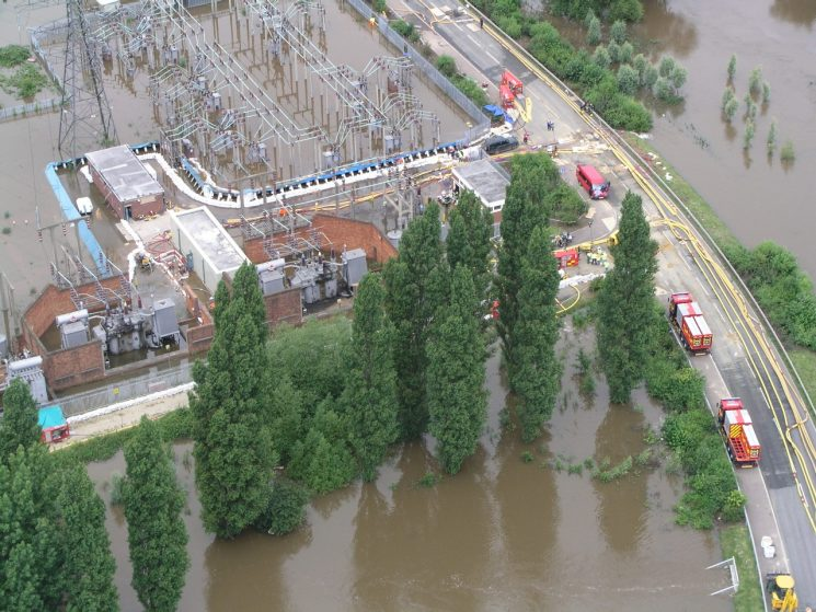 Walham power station during the floods 2007. (Gloucestershire Police Archives URN 2488)