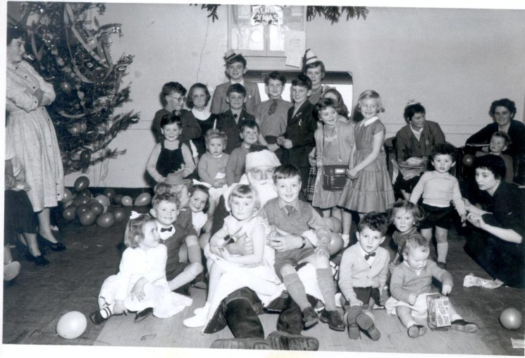 Children's Christmas party at Headquarters 1957. (Gloucestershire Police Archives URN 1010)