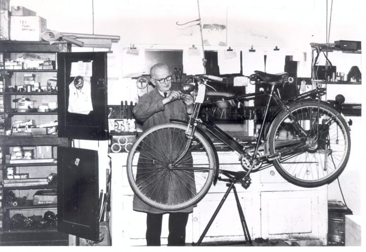 Police Constable Alfred Willis, pedal cycle mechanic at police workshops. (Gloucestershire Police Archives URN 1257)