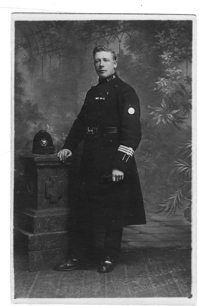 Police Constable  taken at a studio in Gloucester. (Gloucestershire Police Archives URN 1633)