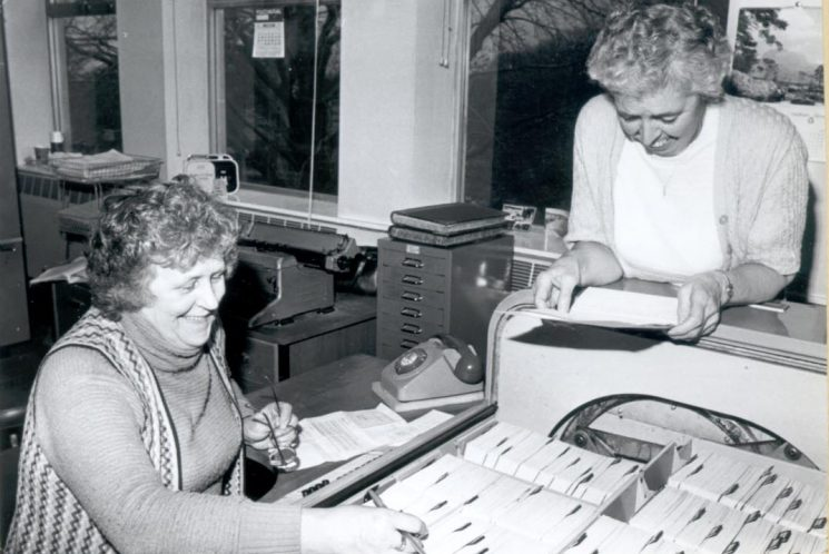 Firearms administration staff Muriel Hubbard and Beryl Farmer 1980. (Gloucestershire Police Archive URN 282-1)