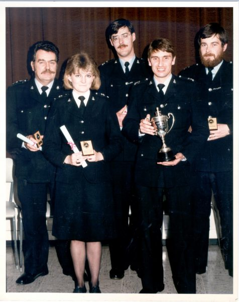 Stroud Special Constabulary who won the Chief Constable's cup in the inter-divisional quiz for 1986. (Gloucestershire Police Archives URN 491)