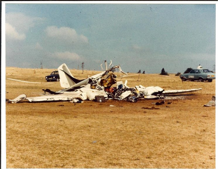 Light aircraft crash at Ullenwood Golf Course in 1978. (Gloucestershire Police Archives URN 739-3)