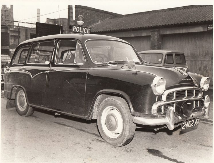 Morris Oxford Estate police car circa 1960s registration number 2462 AD. (Gloucestershire Police Archives URN 2079)