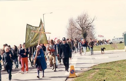 Peace march at RAF Fairford 1980s. (Gloucestershire Police Archives URN 694)