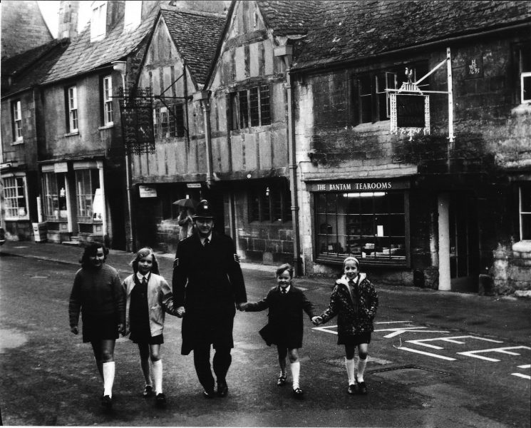 Police Sergeant Des Gay of Chipping Campden with local children in the 1970's. (Gloucestershire Police Archives URN 2065)