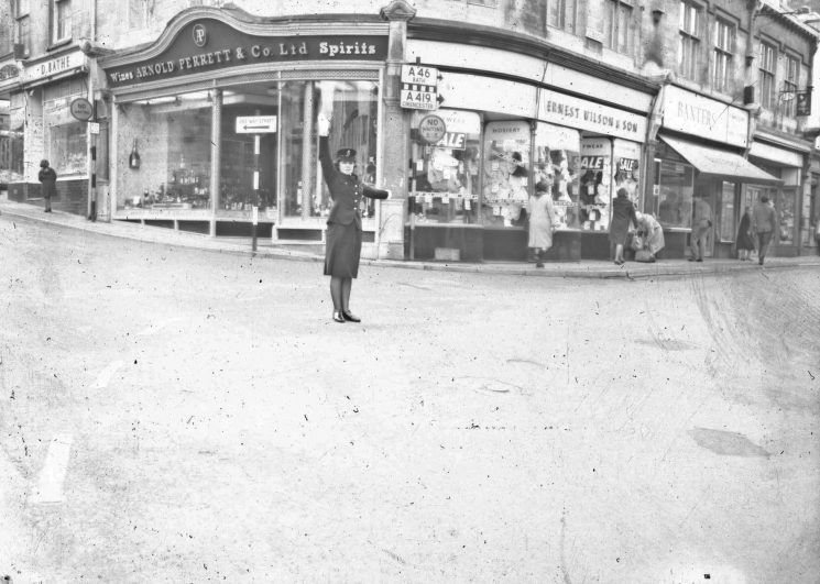 Policewoman on point duty in Stroud. Thought to be Woman Police Constable Mary Organ (Gloucestershire Police Archives URN 2473) | Photograph from an old negative