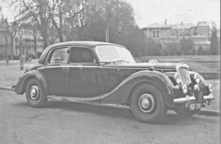 Riley Pathfinder patrol car (Gloucestershire Police Archives URN 2484) | Photograph from an old negative