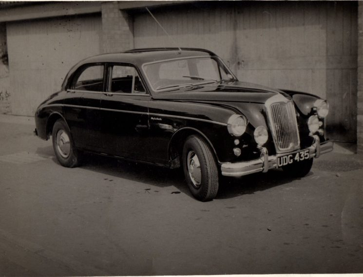 Riley Pathfinder patrol car UDG 435 around 1955 possibly at Gloucester (Gloucestershire Police Archives URN 1937-2) | Photograph from Graham Stevens