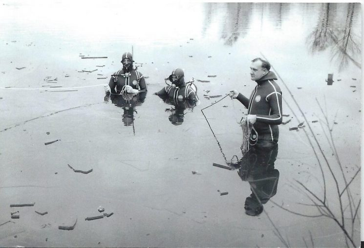 Gloucestershire Constabulary Underwater Recovery Section first operational dive November 1966 in Frampton Gravel pits. From left to right Police Constables Peter Underhill, Roger Reynallt, Police Sergeant Clive Jefferies. (Gloucestershire Police Archives URN 2588)