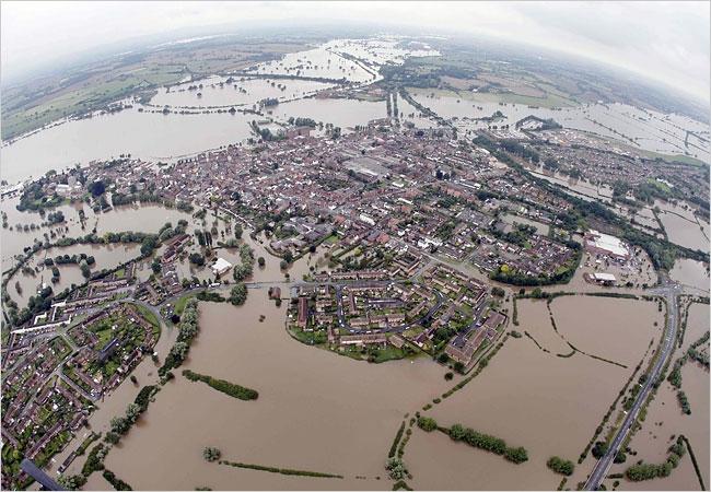 Tewkesbury Borough Flooding(Gloucestershire Police Archives URN 2598).