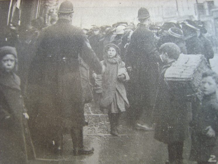 Police controlling Cheltenham  food queues 19 January 1918 this was as a result of rationing during the First World War. (Gloucestershire Police Archives URN 2613)