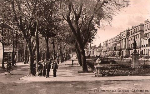 Police officers on the Promenade  Cheltenham near  Promenade Gardens. (Gloucestershire Police Archives URN 2633)