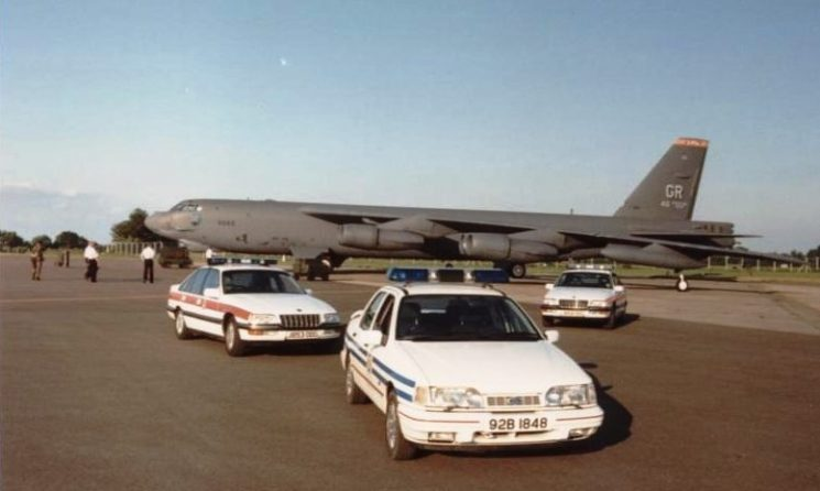 B52 and a variety of police cars at Fairford (Gloucestershire Police Archives URN 6077) | Photograph from Mike Williams