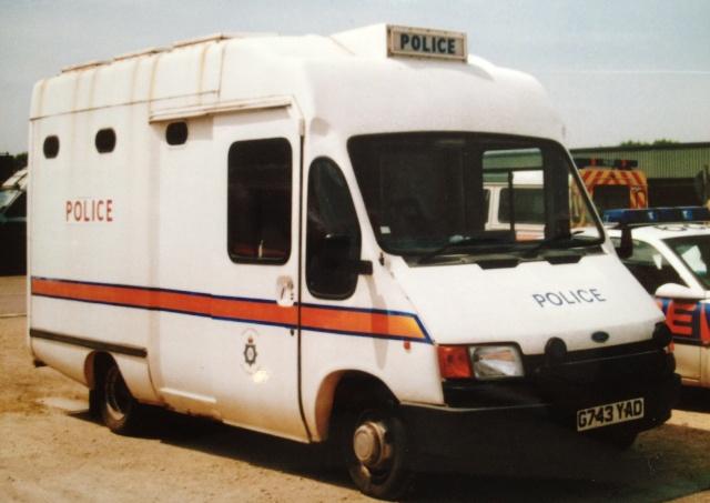 Ford Prisoner Transport 1999. (Gloucestershire Police Archives URN 3701 )