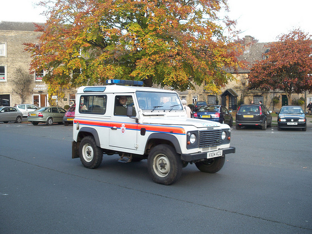 Short Wheel Base Landrover Defender, Stow on the Wold 2004. (Gloucestershire Police Archives URN 3708)