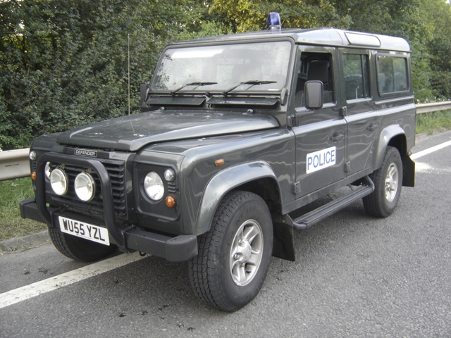 Long Wheel Base Landrover Defender with magnetic light and badges. Hired during  2007 Floods . (Gloucestershire Police Archives URN 3710 )