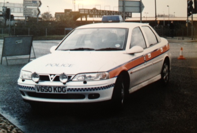 Gloucester City Incident Response Vehicle at a road closure Bruton Way 1999. (Gloucestershire Police Archives URN 3750) )