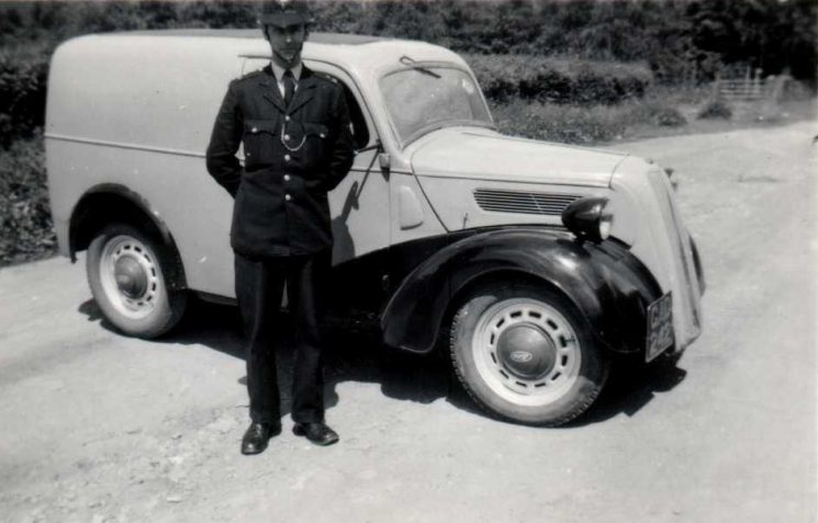 Police Constable 515 Alan Owen Drew and van. The van is thought to be his own and not one belonging to the Constabulary (Gloucestershire Police Archives URN 6076)