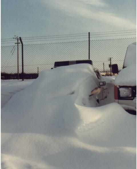 Cars at Bamfurlong in the snow 1980/81 (Gloucestershire Police Archives URN 6066)