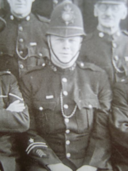 Police Constable 145 Wilf 'Joe' Fardon awarded Silver Braid for stopping a runaway horse on 7th January 1927 also awarded £3. (Gloucestershire Police Archives URN 8558)