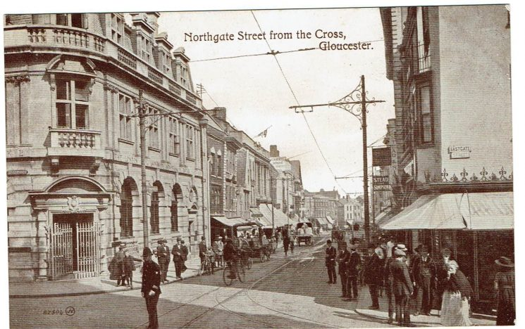 Gloucester Cross 1919 with police officer directing traffic. (Gloucestershire Police Archives URN 9171) | Photograph from Wendy Jordan