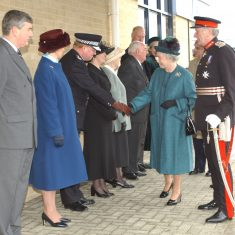 Her Majesty the Queen meets Chief Constable Brain. (Gloucestershire Police Archives URN 9758)