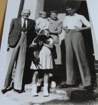 Deputy Chief Constable Goulder with his family after his retirement. (Gloucestershire Police Archives 10049)