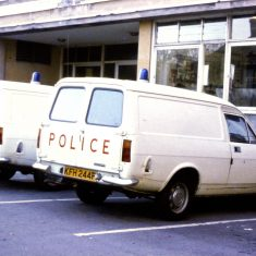 Ford Escort vans about 1975. (Gloucestershire Police Archives URN 10308)