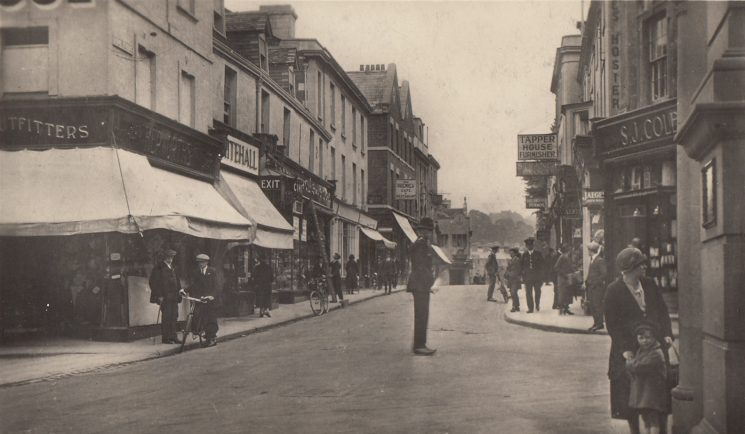 King Street Stroud 1950s. (Gloucestershire Police Archives URN 1914)