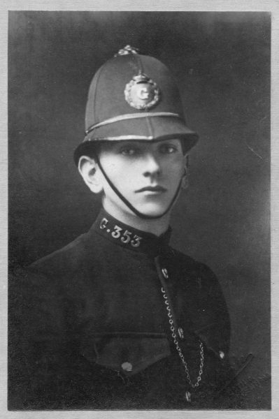Police Constable Sydney Dobbs. (Gloucestershire Police Archives URN 8169)