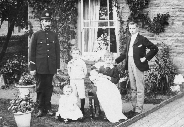 Police Constable 173 at Coalpit Heath. (Gloucestershire Police Archives URN 10433)   Photograph from Ray Ricketts