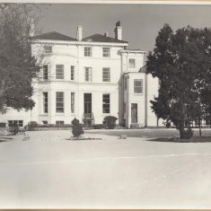 Holland House in the snow . (Gloucestershire Police Archives 9050)